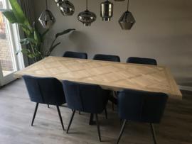 Visgraat eiken Versailles tafel met matrix onderstel