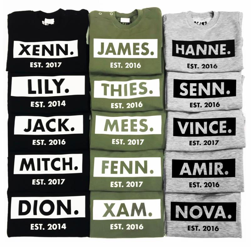 Name sweater Sweater met naam en geboortejaar (Kleur print