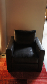Zwart lederen fauteuil