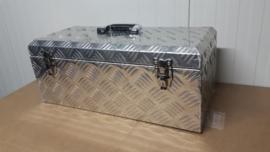 Aluminium kist 570x240x220 mm.
