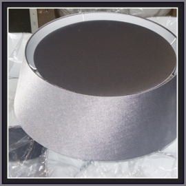 nr. 289 Glanskatoen grijs zilver,  geplakt op wit pvc.