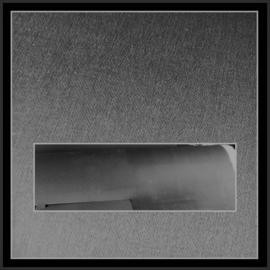 nr. 535 Brushed grijs geplakt op wit pvc