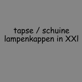 Taps toelopende lampenkappen in maat XXL tot 80 cm.