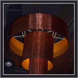 nr. 374 Paisley effekt stof koper, geplakt  op goud pvc. ( kl 2 ).