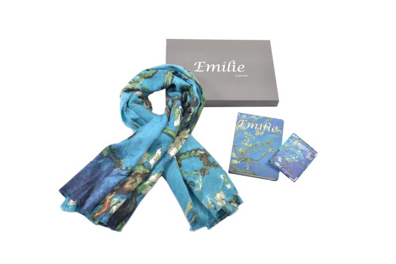 Geschenkset Van Gogh amandelbloesem   Cashmere sjaal + notitieboek (A5) + paspoorthoesje   Verpakt in giftbox   Cadeau