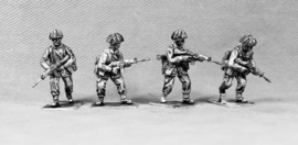 British Infantry Advancing (BAOR8)