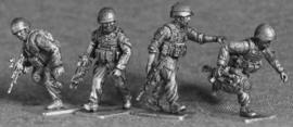 British Infantry Advancing (BRIT03)