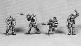 Modern Soldiers with M1 Helmets (UN01B M1 HEADS)