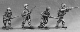 US Army Infantry Advancing (GI 4)