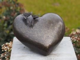 Bronzen urn Hart met vlinders