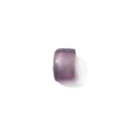 Matte paarse glaskraal met witte binnenkant