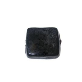 Zwarte, platte vierkante glaskraal