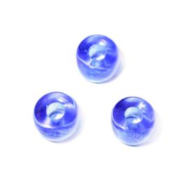 Blauwe, doorzichtige glaskraal met ruime opening (3 mm)