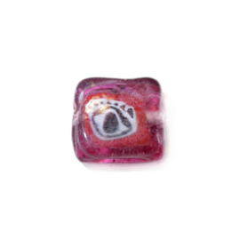 Red square glass bead with drawing