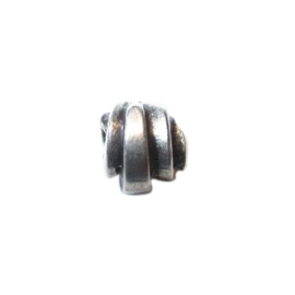 Metal bead with reliëf