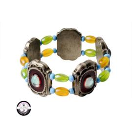 Elastische armband met metaalkleurige kralen en gele, groene en blauwe glaskralen
