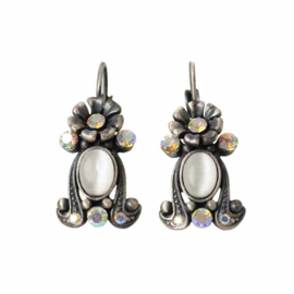 Earrings with white and transparent stones