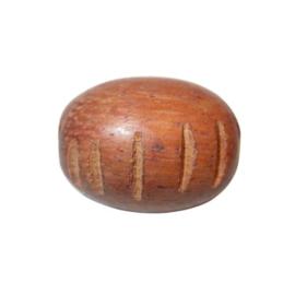 Roodbruine houten kraal