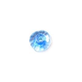 Doorzichtige glaskraal met binnen in blauw