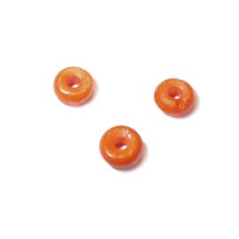 Oranje kraal gemaakt van Been