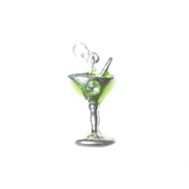 Cocktail bedel van metaal met groen en een klein steentje