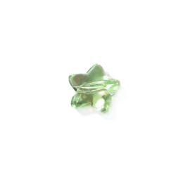 Groen, stervormige kunstof kraal