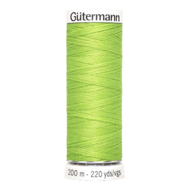 Nr 336 Lichtgroen Gutermann alles naaigaren 200 m