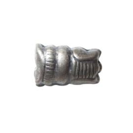 Indiase metalen kraal.