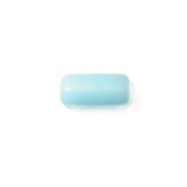 Langwerpige lichtblauwe glaskraal