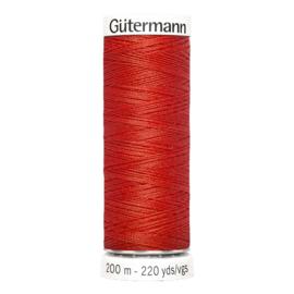 Nr 364 Rood Gutermann alles naaigaren 200 m.