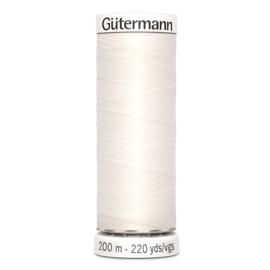 Nr 111 Offwhite Gutermann alles naaigaren 200 m