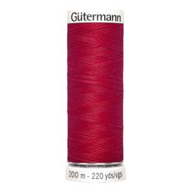 Nr 156 Rood Gutermann alles naaigaren 200 m.