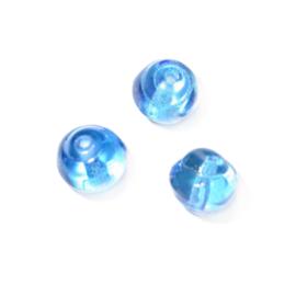 Blauwe glaskraal met een kleine twist aan de zijkanten
