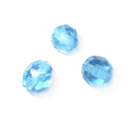 Blauwe glaskraal; lichte facetvorm