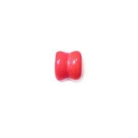 Lichtrode diaboolvormige glaskraal