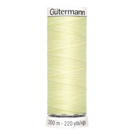 Nr 292 Lichtgroen Gutermann alles naaigaren 200 m