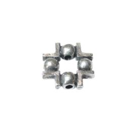 Square metal bead