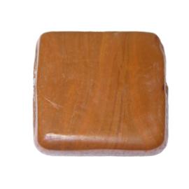 Grote platte bruine vierkanten glaskraal