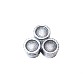 Silver colored metal bead