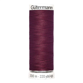 Nr 375 Bordeauxrood Gutermann alles naaigaren 200 m