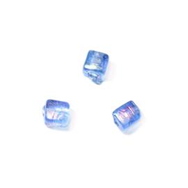 Blauwe vierkante glaskraal