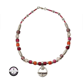 Necklace made with Metalcolored beads and red, pink and orange