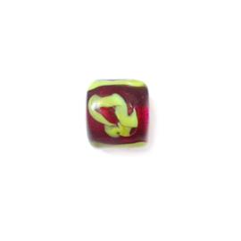 Rode, ronde glaskraal met gele schildering