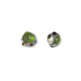 Handgemaakte glaskraal met groen, bruine uitsteeksel en een blauw lijntje