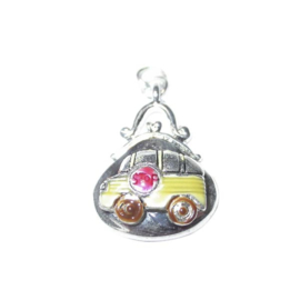 Schoolbag charm with a schoolbus as decoration, made of metal