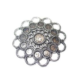 Metalen ornament, passend 12 plaksteentjes 5 mm + 1 plaksteen 8