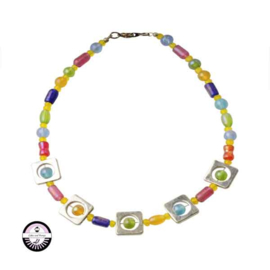 Necklace with green, blue, pink and yellow glassbeads
