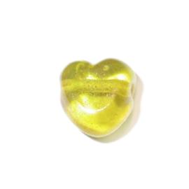 Gele, hartvormige kraal gemaakt van glas