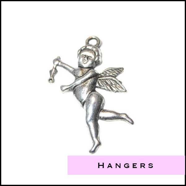 Zilverkleurige hangers