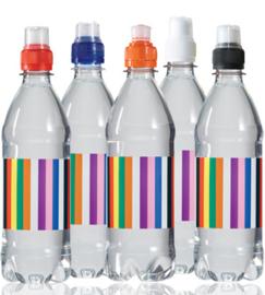 Mineraalwater In Een 100% Gerecyclede Fles, Gekleurde Sportdop